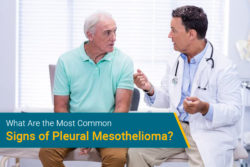 doctor talking to patient about mesothelioma symptoms